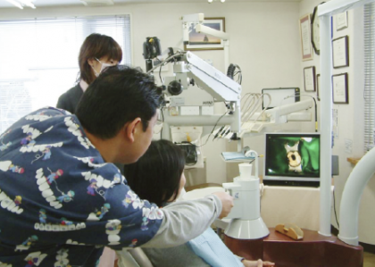 写真とビデオでお口や歯の状態、治療経過をご説明致します。